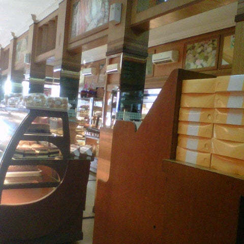Photo taken at Mawar Bakery and Cake Shop by Faisal H. on 3/6/2014