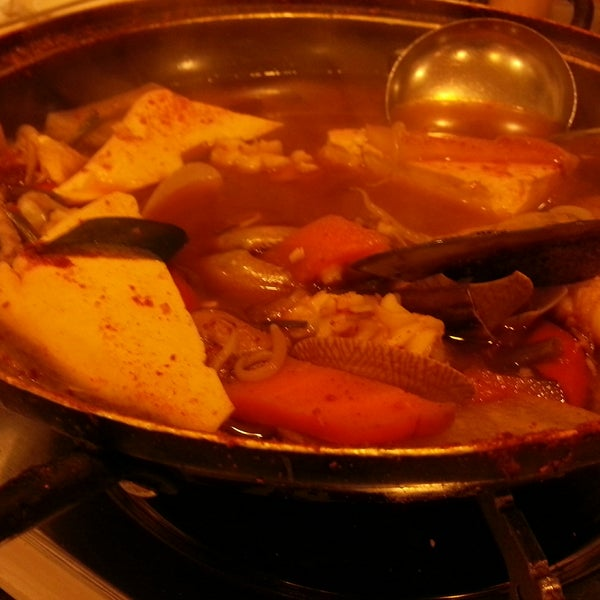 The seafood steamboat is not bad. Soup is delicious.