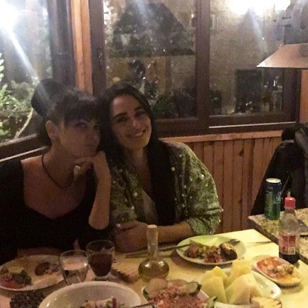 11/1/2017 tarihinde Ayça U.ziyaretçi tarafından Gölköy Restaurant'de çekilen fotoğraf