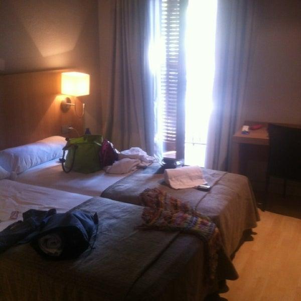 Foto tomada en Hotel Arc La Rambla por Terenteva N. el 7/15/2013