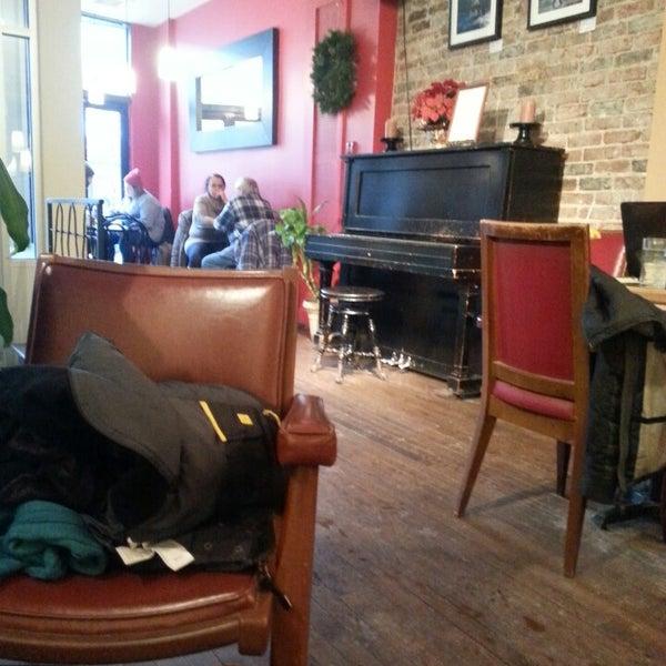 12/28/2013 tarihinde Sophie V.ziyaretçi tarafından Café Lézard'de çekilen fotoğraf