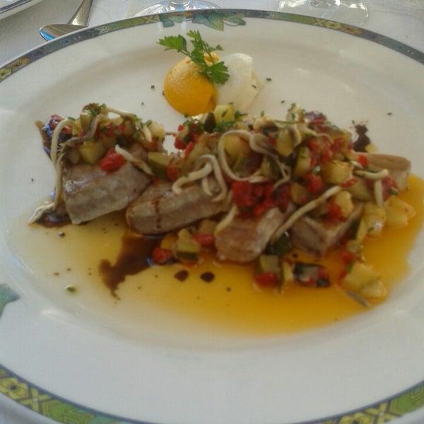 He comido un atún a la plancha con verduritas i gulas buenísimo!!!