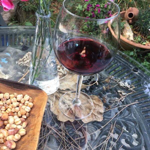 Şarap ve hizmet kısacası keyifli dakikalar geçirmeniz için ihtiyacınız olan herşey iyi ❤️