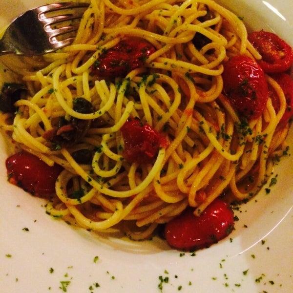 Great atmosphere,, amazing spaghetti