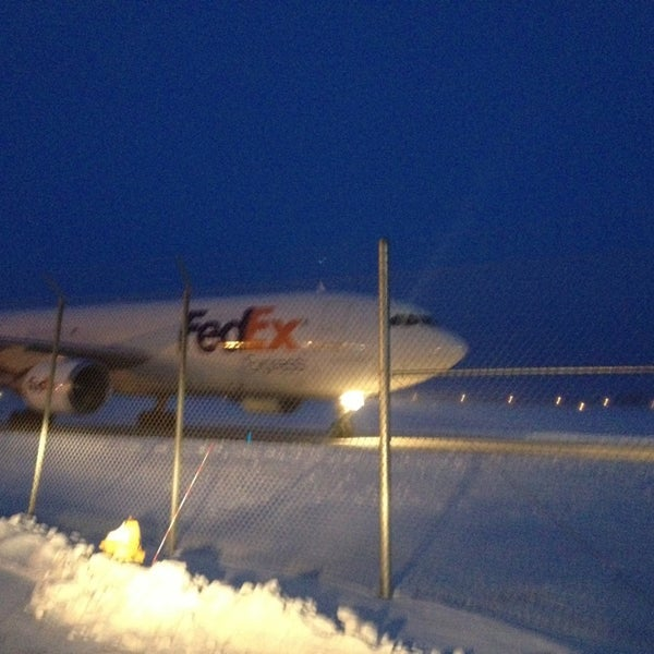 Fedex ship center appleton wi for Buro 600 6ft ups
