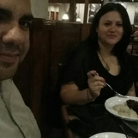 Photo taken at Carrabba's Italian Grill by El R. on 10/21/2014