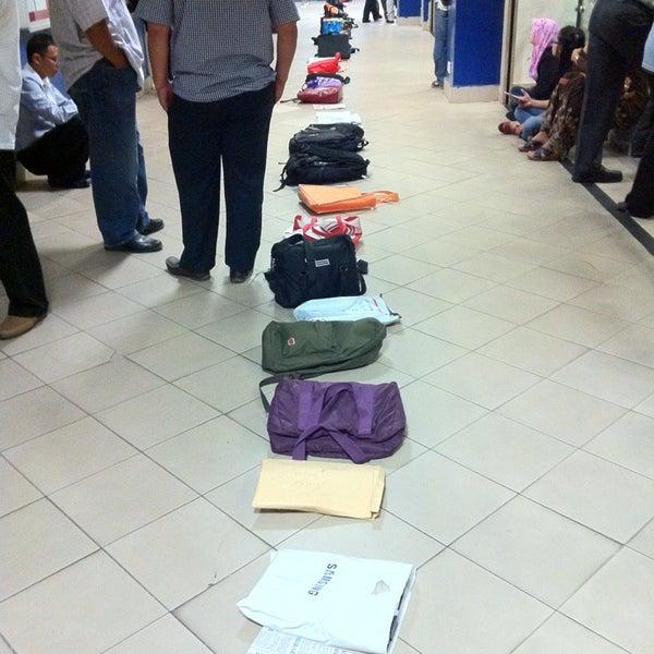 Photo taken at Jabatan Imigresen Malaysia by suelin l. on 1/2/2014