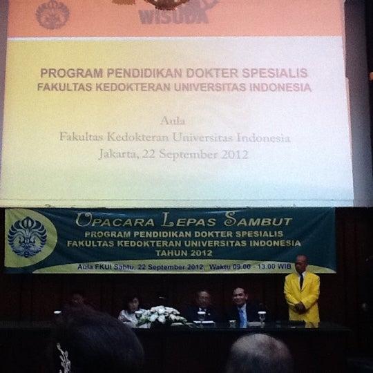 Photo taken at Fakultas Kedokteran Universitas Indonesia by Eka Yudha L. on 9/22/2012