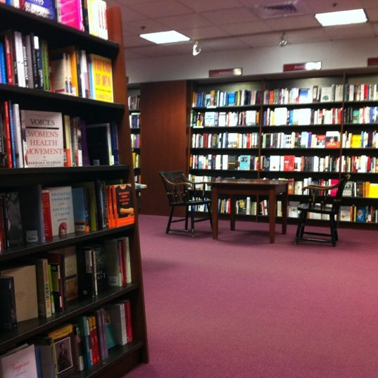Photo taken at Harvard Coop Society Bookstore by Christopher Y. on 12/13/2012