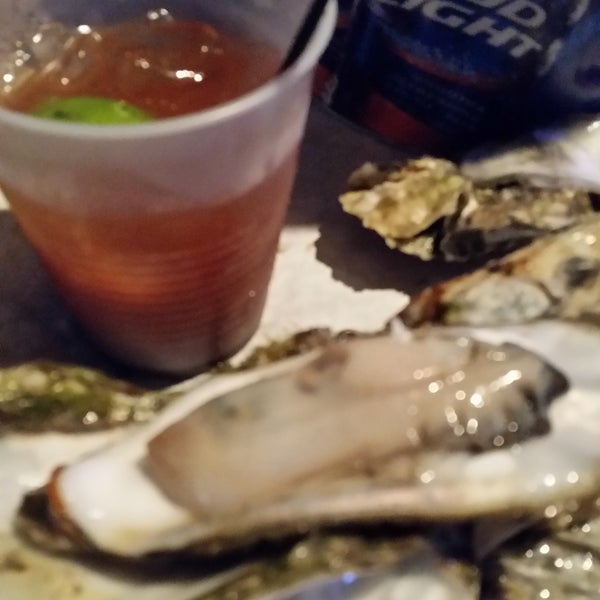 Awesome place to eat oysters drink beer and listen to live music