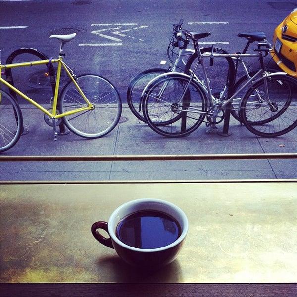 Photo taken at Stumptown Coffee Roasters by Kajsa L. on 9/5/2013