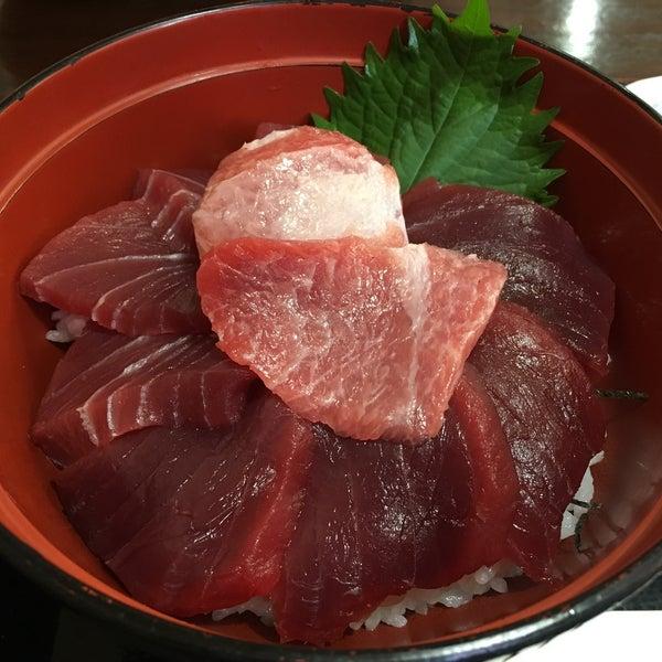 マグロはもちろんですが活イカも美味しい。