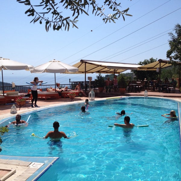 7/30/2014 tarihinde Tuncay G.ziyaretçi tarafından Öngen Country Hotel'de çekilen fotoğraf