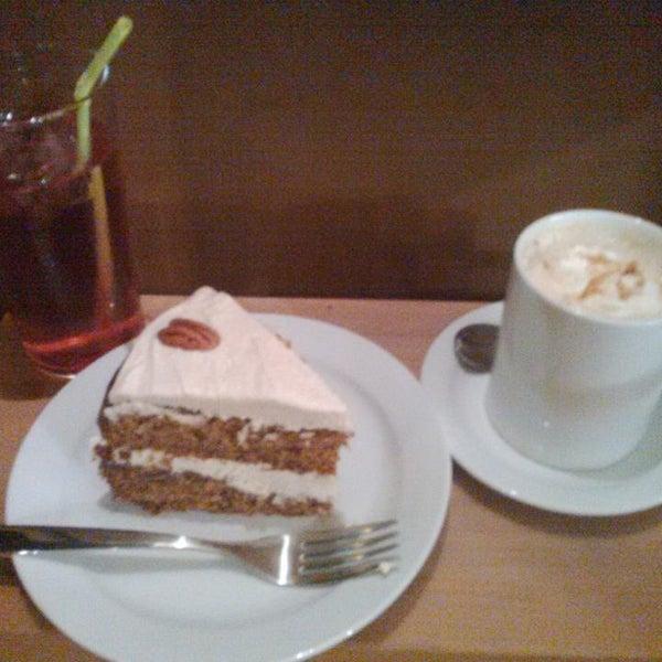 Photo taken at Spice Café by Núria G. on 10/17/2013