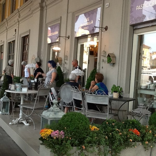 7/8/2013에 Livia L.님이 Antonella Dolci e Caffé에서 찍은 사진