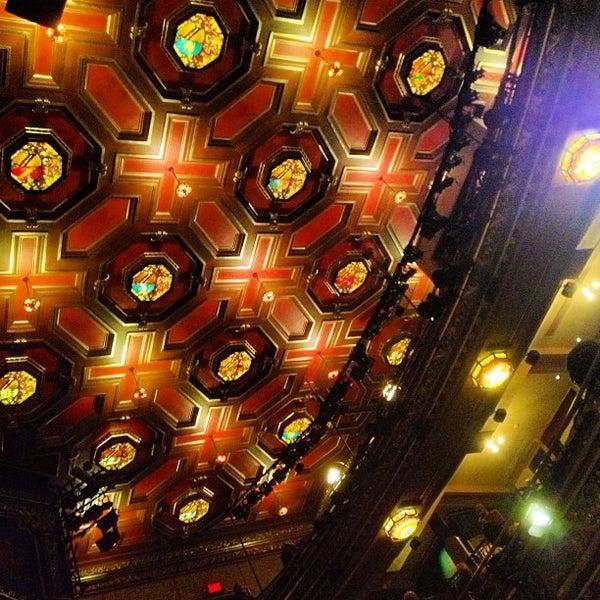 รูปภาพถ่ายที่ Belasco Theatre โดย Andy Y. เมื่อ 12/17/2012