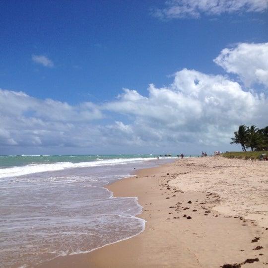รูปภาพถ่ายที่ Praia de Guaxuma โดย Eva M. เมื่อ 10/14/2012