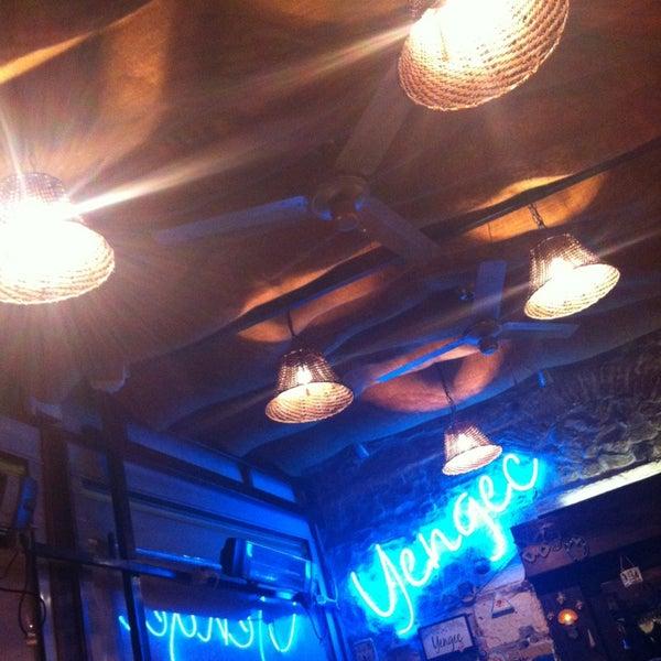 1/12/2013 tarihinde Ebrushkamishky .ziyaretçi tarafından Yengeç Restaurant'de çekilen fotoğraf