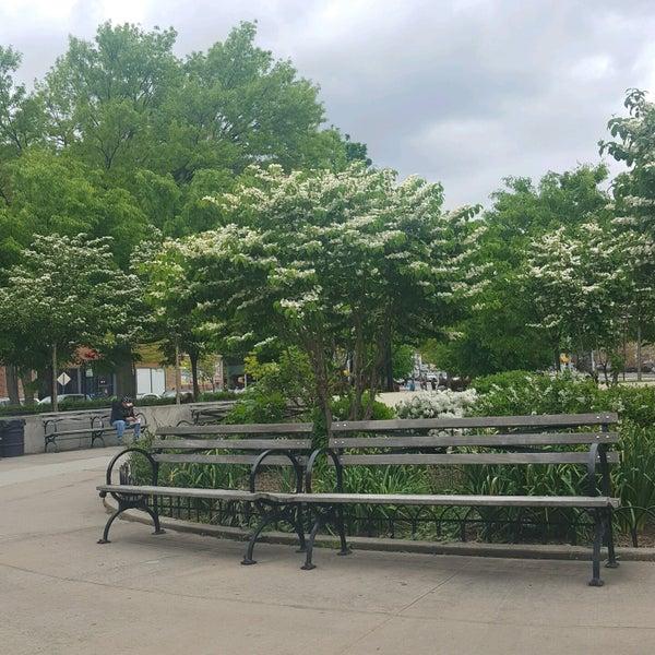 Das Foto wurde bei MacDonald Park von Karina R. am 5/7/2017 aufgenommen