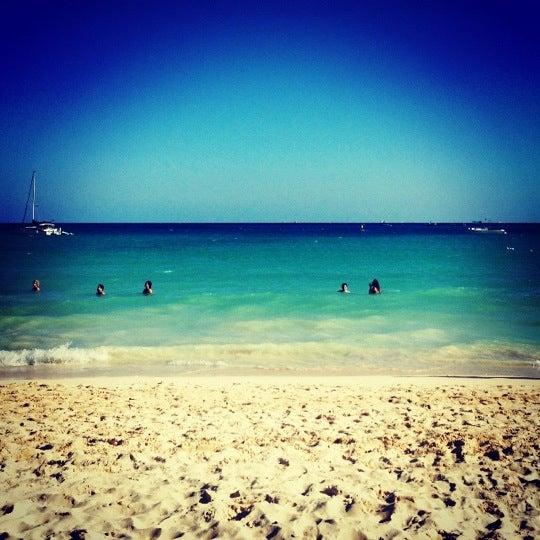 Foto tomada en Kool Beach Club por Claudio F. el 12/14/2012