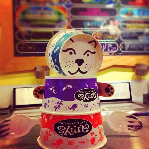 11/20/2012 tarihinde Jenniferziyaretçi tarafından Amy's Ice Creams'de çekilen fotoğraf