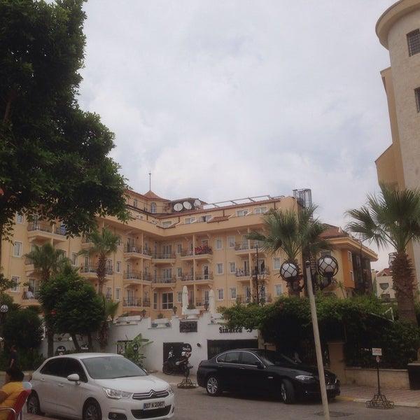 6/27/2015 tarihinde Can (Σακίρ τζαν) Χ.ziyaretçi tarafından Sinatra Hotel'de çekilen fotoğraf