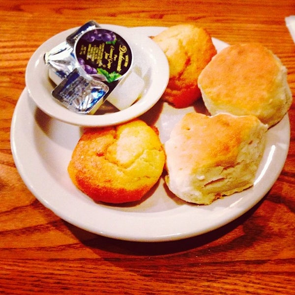 Photo taken at Cracker Barrel Old Country Store by Wes G. on 11/21/2013