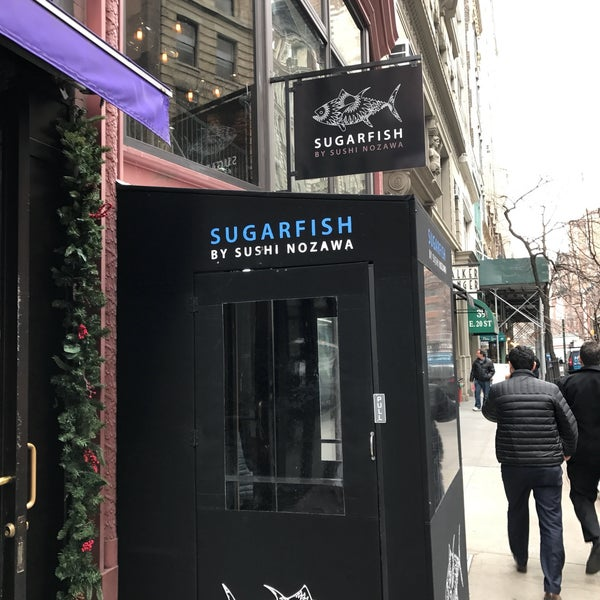 Photo taken at Sugarfish by Live To Eat on 1/20/2017
