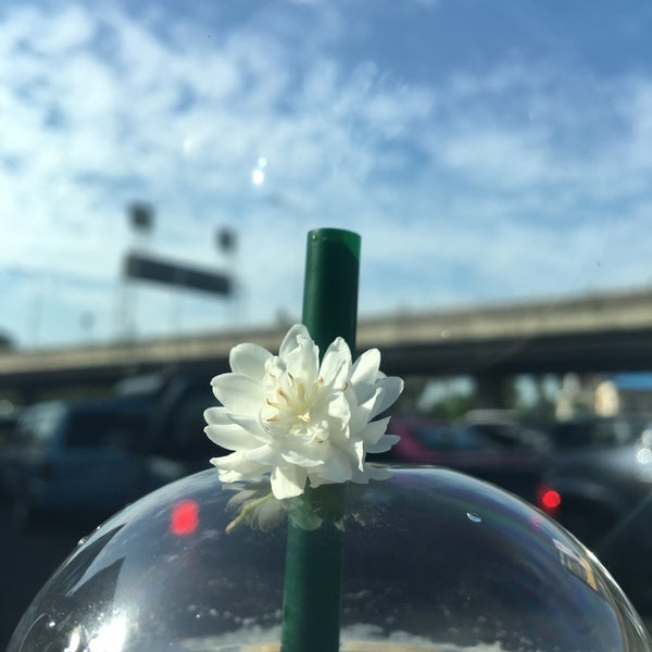 Photo taken at Dao Khanong Toll Plaza by Tiang on 6/16/2017