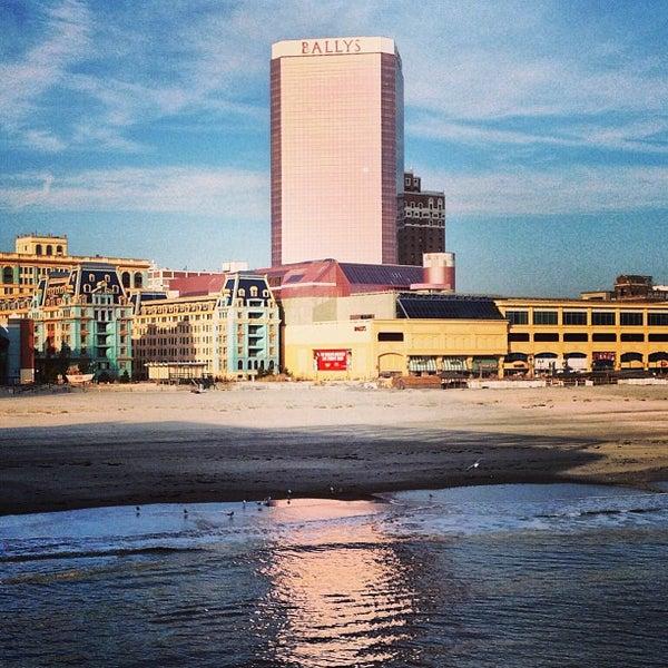 Photo taken at Bally's Casino & Hotel by benjamin b. on 1/6/2013