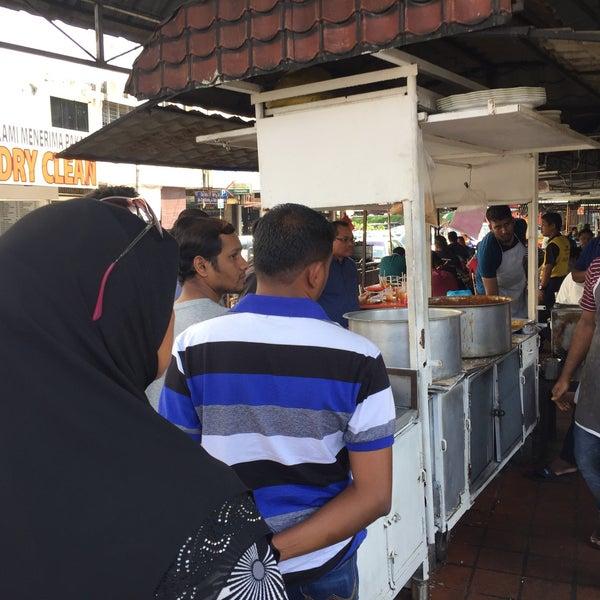 Photo taken at Bangsar Fish Head Corner by Qishin T. on 9/27/2017