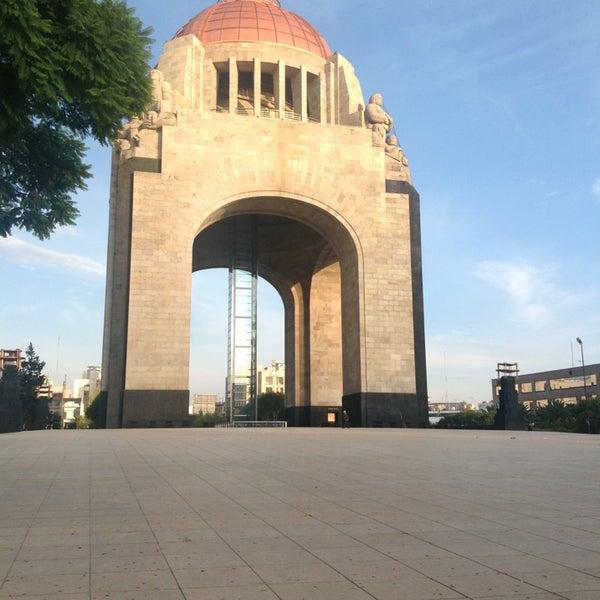 Das Foto wurde bei Mirador Monumento a la Revolución Mexicana von Daniel T. am 7/26/2013 aufgenommen