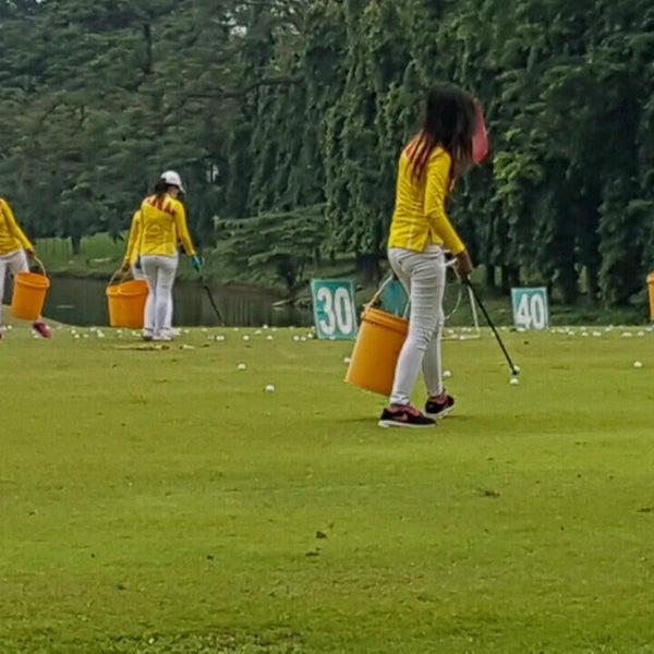 10/19/2016 tarihinde Samuel A. Budionoziyaretçi tarafından Pondok Indah Golf & Country Club'de çekilen fotoğraf