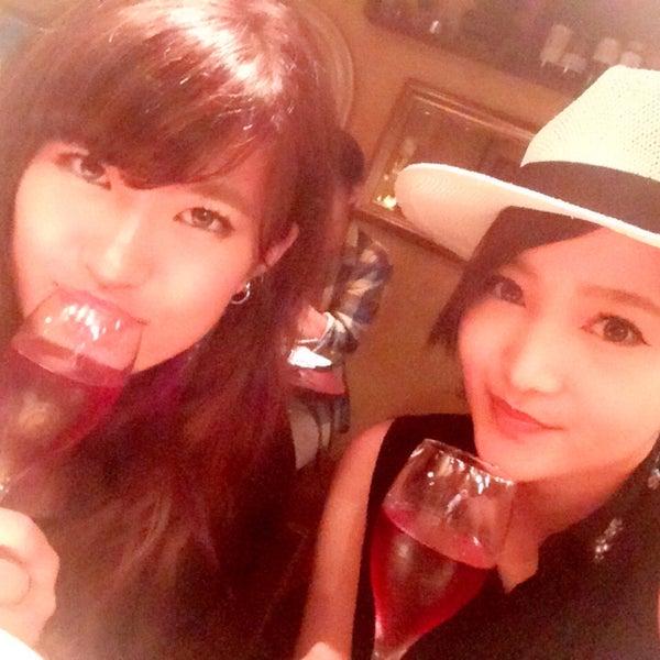Das Foto wurde bei 東京バル Ajito 六本木店 von Haruka S. am 8/19/2015 aufgenommen