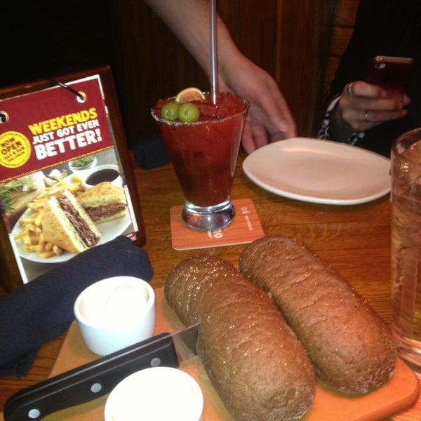 Photo taken at Outback Steakhouse by Chris G. on 2/2/2013