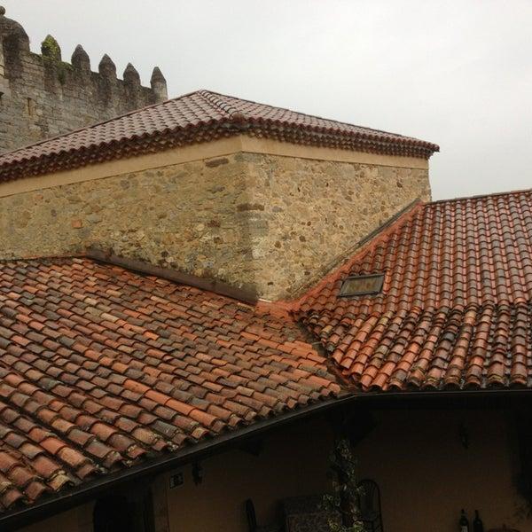 Foto tomada en Castillo de Valdés Salas por Lance M. el 9/6/2013