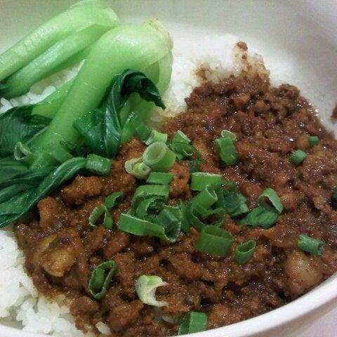 Photo taken at XiMenDing (西门町) Taiwan Cuisine by HongYi C. on 11/24/2012