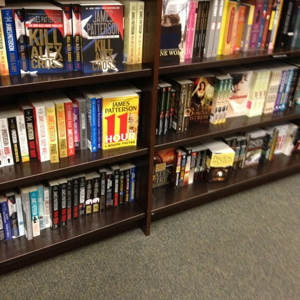 Photo taken at Barnes & Noble by joseph n. on 3/31/2013