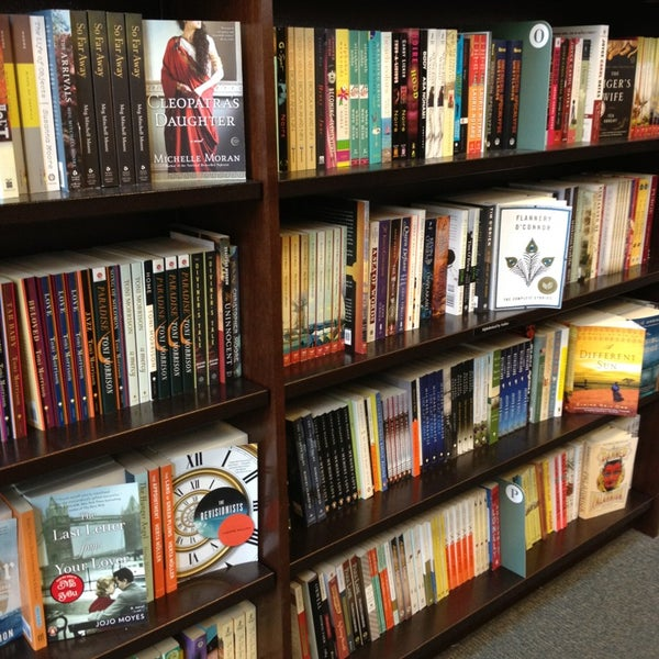 Photo taken at Barnes & Noble by joseph n. on 6/9/2013