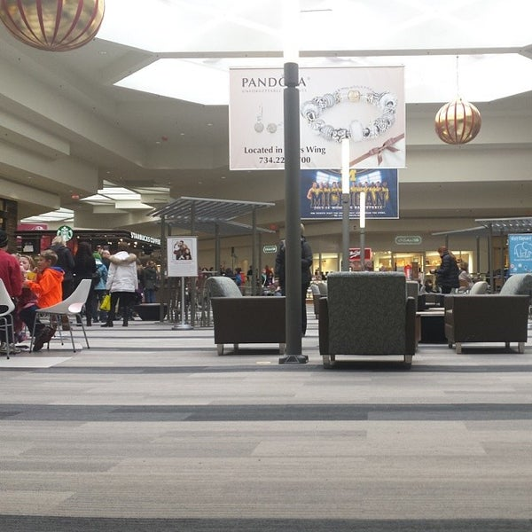 Photo taken at Briarwood Mall by Guilherme C. on 1/4/2014