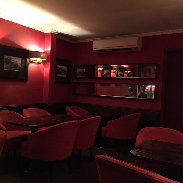 Foto diambil di Café de São Bento oleh Michael pada 8/30/2015