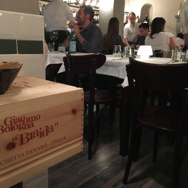 Foto scattata a Trattoria Pizzeria Galleria da Romà J. il 4/15/2017