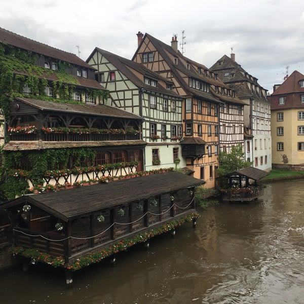 pont saint martin bridge in strasbourg. Black Bedroom Furniture Sets. Home Design Ideas