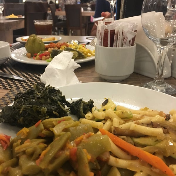 9/9/2017 tarihinde Merve K.ziyaretçi tarafından Sah İnn Restaurant'de çekilen fotoğraf
