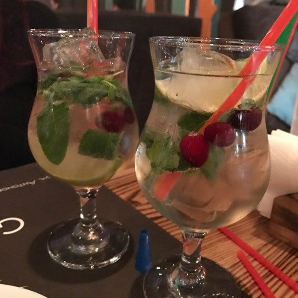 Снимок сделан в Lounge Bar GUSTOÚ | ГУСТОЙ пользователем fibizzz 2/24/2017