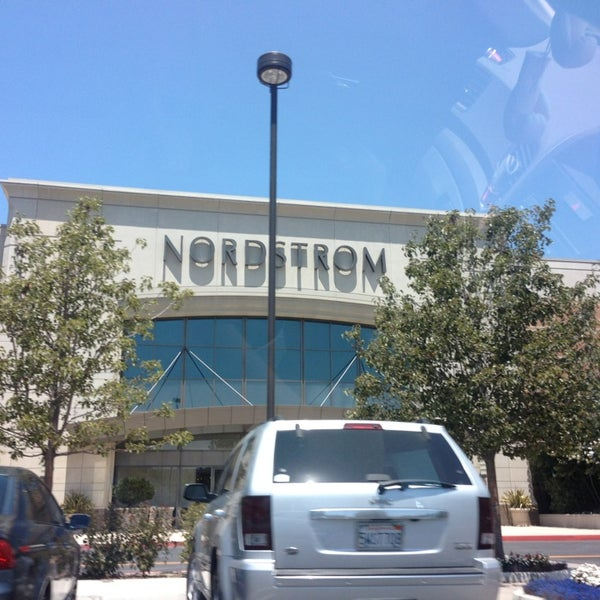 Nordstrom Thousand Oaks Clothing Store