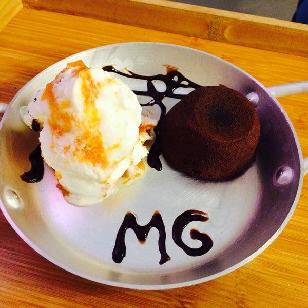 Pétit Gateau com sorvete de abóbora com coco