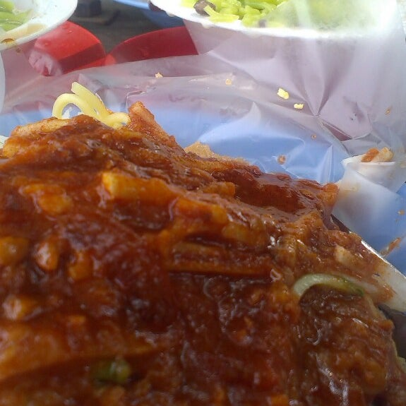 Photo taken at Cendol & Rojak Taman Bahagia by Anand T. on 7/28/2013