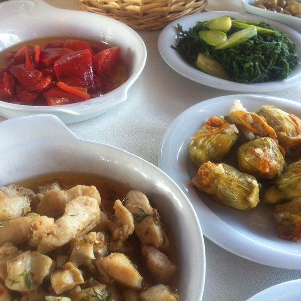 7/3/2013 tarihinde cemre c.ziyaretçi tarafından Cunda Deniz Restaurant'de çekilen fotoğraf