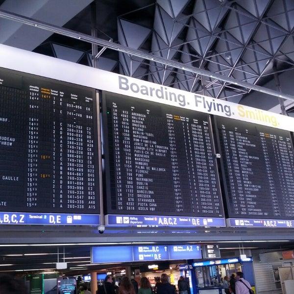 Das Foto wurde bei Frankfurt Airport (FRA) von Lucia B. am 10/3/2013 aufgenommen